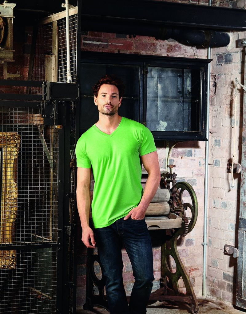 Klassic Mens V-neck Hd T-shirt